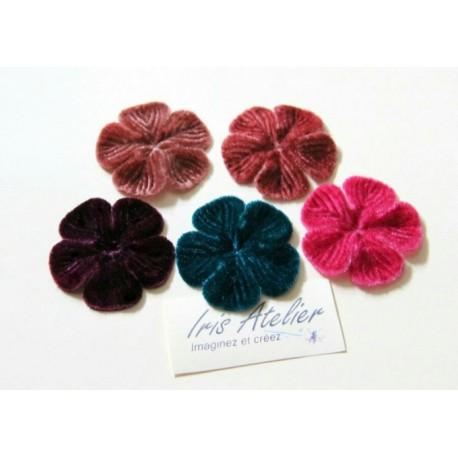 1 Fleur en velours rose foncé pour scrapbooking, carterie, couture, décoration