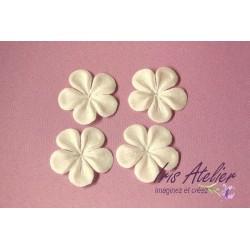 Lot de 3 Fleurs en soie 5 pétales ivoire crème pour bijoux mariage, scrapbooking, carterie, couture