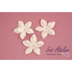 1 Fleur en satin de soie ivoire pour bijoux mariage, scrapbooking, carterie, couture